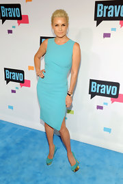 Yolanda Foster's baby blue shift dress was sleek, elegant, and totally sophisticated for the red carpet.