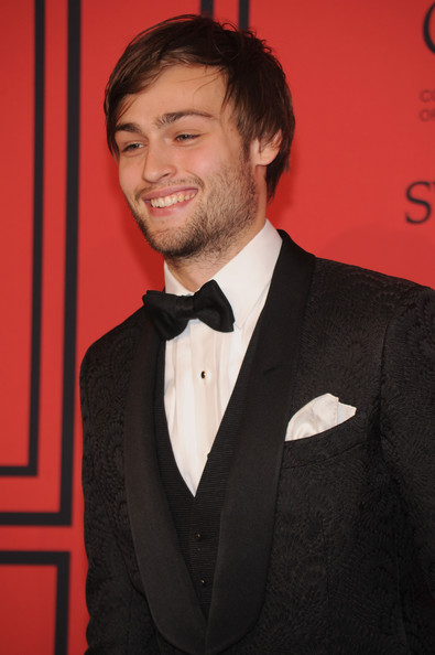 More Pics of Douglas Booth Tuxedo (1 of 5) - Douglas Booth Lookbook - StyleBistro