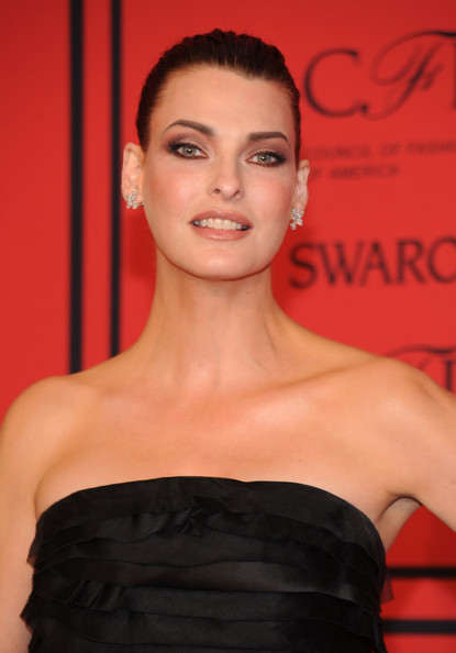 More Pics of Linda Evangelista Strapless Dress (5 of 6) - Linda Evangelista Lookbook - StyleBistro