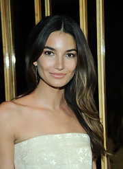 Lily Aldridge showed off her lovely ombre locks with a soft wave.
