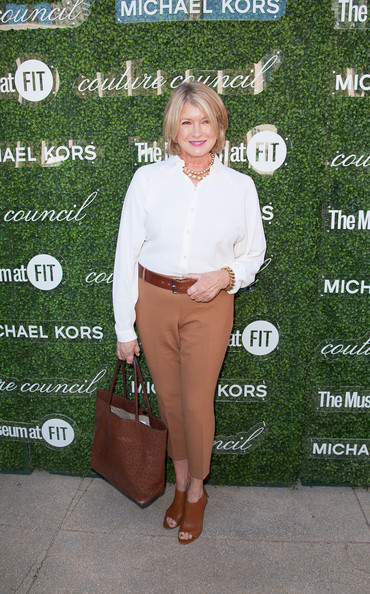 Martha Stewart accessorized with a brown ostrich leather tote when she attended the Couture Council Fashion Visionary Awards.