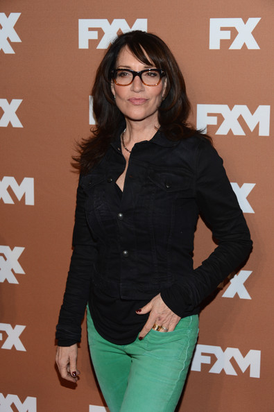 Katey Sagal paired a cropped black denim jacket with green jeans for the 2013 FX Upfront Bowling event.