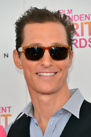 Matthew McConaughey looked cool and casual on the Independent Spirit Award's red carpet with classic Wayfarers.