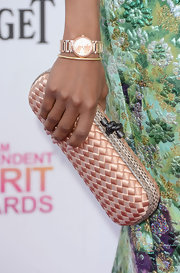 Kerry Washington opted for a classic clutch with leather trim to top off her look at the Independent Spirit Awards.