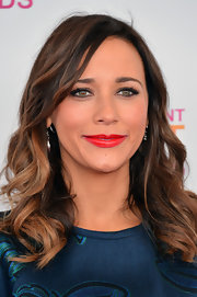 Bright red lips took Rashida Jones' look from relaxed to glam at the Independent Spirit Awards.