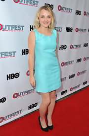 Evanna's light turquoise shift dress complemented her baby blue eyes perfectly.