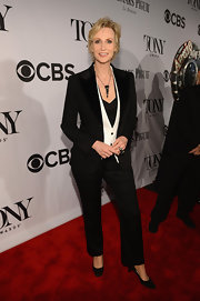 Jane Lynch sported a classic-looking three-piece suit at the 2013 Tony Awards red carpet.