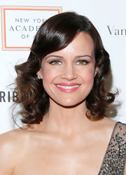 A soft pink lip brought out the color in Carla Gugino's cheeks.
