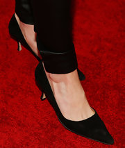 Meredith Ostrom knew that even kitten heels can be sexy on the red carpet.