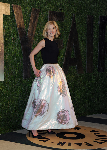 More Pics of Rosamund Pike Long Skirt (1 of 4) - Rosamund Pike Lookbook - StyleBistro