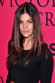 Julia Restoin-Roitfeld smoldered at the Victoria's Secret fashion show with her messy-chic center-parted 'do.