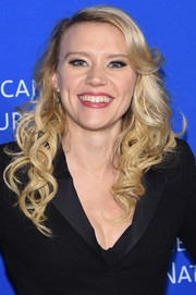 Kate McKinnon attended the American Museum of Natural History Gala wearing her hair in a sweet cascade of curls.