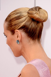 Heidi Klum complemented her updo with a pair of massive gemstone studs by Lorraine Schwartz.
