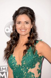 Danica McKellar exuded feminine appeal with this half-up wavy 'do at the American Music Awards.