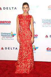 Maria Menounos sported sweet florals in a sexy red hue for the CHLA gala.