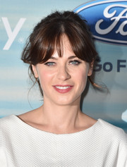 Zooey Deschanel kept it laid-back with this messy ponytail at the Fox Fall Eco-Casino party.