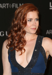 Amy Adams wore her hair loose with lovely spiral curls during the LACMA Art + Film Gala.