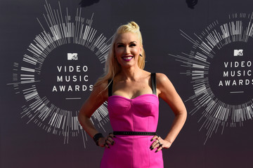 Gwen Stefani Wears Hot Pink L.A.M.B. at 2014 MTV VMAs