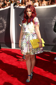 Jillian Rose Reed attended the MTV VMAs looking very girly in a floral-and-stripes crop-top by Ci Ci Hot.