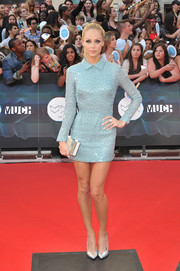 Laura Vandervoort looked super cool at the MuchMusic Video Awards in a beaded blue mini by the 2nd Skin Co.