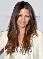 Camila Alves wore her long hair down in a layered style at the Power of Pink benefit.