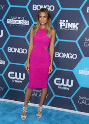 Renee Bargh looked oh-so-slim in her body-con magenta cutout dress during the Young Hollywood Awards.