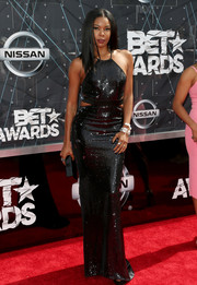 Gabrielle Union was sexy and sparkly on the BET Awards red carpet in a Halston Heritage sequined cutout gown.