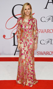 Tory Burch sported an exuberant mix of gold, pink, and fuchsia during the CFDA Fashion Awards.