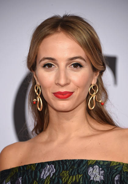 Harley Viera-Newton went for classic styling with this loose half-up 'do at the CFDA Fashion Awards.