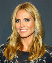 Heidi Klum looked beautiful with her center-parted waves at the Clio Awards.