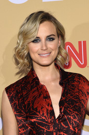 Taylor Schilling looked gorgeous with her short wavy 'do at the 2015 CNN Heroes: An All-Star Tribute.