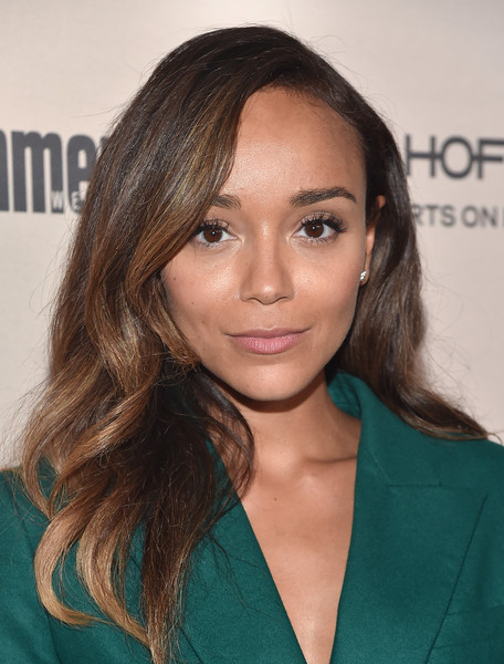 More Pics of Ashley Madekwe Pantsuit (3 of 4) - Suits Lookbook - StyleBistro [red carpet,hair,face,hairstyle,eyebrow,brown hair,blond,chin,long hair,beauty,layered hair,ashley madekwe,west hollywood,california,fig olive melrose place,party,entertainment weekly,entertainment weekly pre-emmy party]