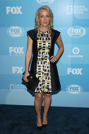 Actress Gillian Anderson caught our eye in this lovely graphic frock.