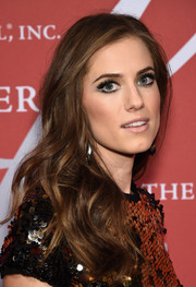 Allison Williams was gorgeously coiffed with loose, side-parted waves at the Night of Stars Gala.
