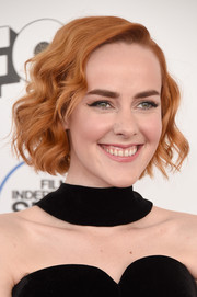 Jena Malone looked oh-so-sweet with her short wavy 'do at the Film Independent Spirit Awards.