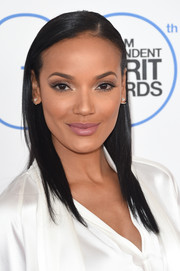 Selita Ebanks looked breathtaking even with this simple straight 'do at the Film Independent Spirit Awards.