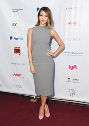 Jessica Alba sweetened up her look with a pair of pink Casadei pumps.