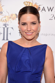 Sophia Bush kept it simple and classic with this center-parted bun at the Fragrance Foundation Awards.