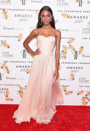 Jasmine Tookes attended the Fragrance Foundation Awards looking like a princess in her flowy champagne strapless gown.
