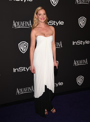 Katherine Heigl changed out of her super-tight corset gown at the Golden Globes into this easy-breezy yet glam Monique Lhuillier strapless dress for the InStyle and Warner Bros. after-party.