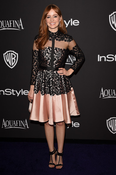 Ahna O'Reilly opted for a modest yet pretty black and pink cocktail dress by Bibhu Mohapatra for the InStyle and Warner Bros. Golden Globes party.