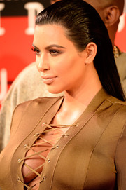 Kim Kardashian sported a slicked-back, straight hairstyle at the MTV VMAs.