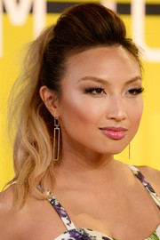 Jeannie Mai attended the MTV VMAs rocking this pompadour ponytail.
