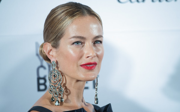 More Pics of Carolyn Murphy Beaded Clutch (1 of 8) - Clutches Lookbook - StyleBistro [hair,face,lip,eyebrow,hairstyle,blond,skin,cheek,beauty,chin,new york city,lincoln center,david h. koch theater,new york city ballet fall gala,carolyn murphy]