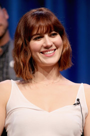 Mary Elizabeth Winstead framed her face with a cute wavy hairstyle for the 2015 Summer TCA Tour.