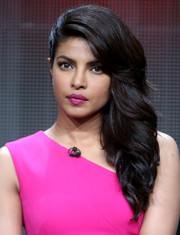 Priyanka Chopra's hot-pink lipstick coordinated perfectly with her outfit.