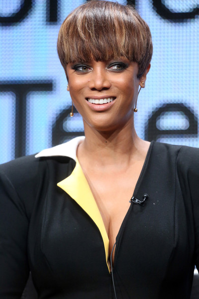 More Pics Of Tyra Banks Bowl Cut 14 Of 26 Short Hairstyles Lookbook Stylebistro