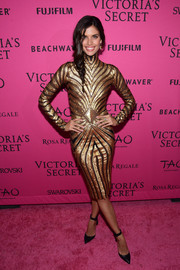 Sara Sampaio shimmered in a figure-hugging, Art Deco-inspired sequin dress at the Victoria's Secret fashion show after-party.