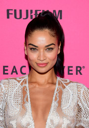 Shanina Shaik pulled her locks back into a high ponytail for the Victoria's Secret fashion show after-party.