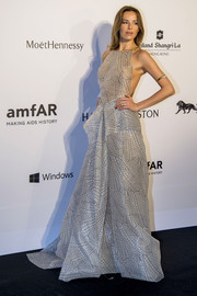 Carolina Parsons was a head turner in her gray net-print halter gown at the amfAR Hong Kong Gala.